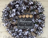 Pet Wreath, Pet Welcome Wreath, Welcome Wreath, Everyday Wreath, Grip Liner Wreath, Ruffle Wreath RESERVED FOR CINDY