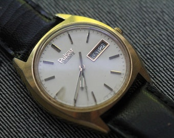 Vintage Pulsr Quartz Watch with Day and Date Black leather strap