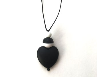 Breastfeeding Jewellery - Nursing Necklace - High Contrast Breastfeeding Necklace - Aphrodite Resin Heart - Black and White, Monochrome