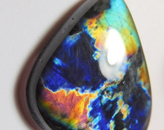 AAA  Spectrolite   designer cab  buff top drop  super multi color abstract  pattern 16.62 ct.Finland