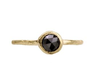 Black diamond engagement ring. 18k. Malt