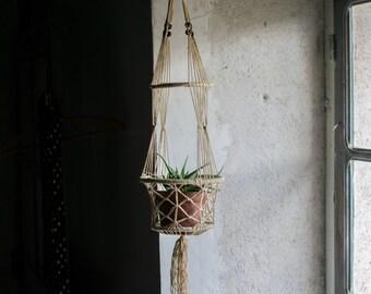 Vintage Macrame Plant Hanger  // Suspension Plant Holder // Bohemian Boho Indoor Garden