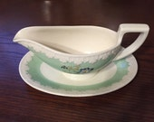 Lovely vintage floral Wedgewood Corinthian gravy boat with attached dish