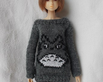 Sweater with Totoro, available in different sizes and colors,pure neemo,blythe,pullip,yo-sd, littlefee,momoko...)