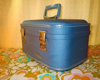Vintage 1960s MID Century Modern Retro Trojan Luggage Company Blue Train Case Overnight Travel Tote