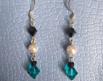Ocean Blues Pearl and Crystal Earrings