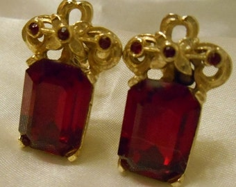 40% OFF SALE Coro Faceted Rectangle Red Stone Screw Back Earrings Set in Gold Tone