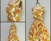 Vintage Sale 1950s Dress / 50s dress / Floral Autumnal shirtwaist dress with full skirt / Pin Up Style