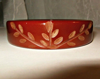 Vintage Cherry Amber Carved Bakelite Catalin Bangle Bracelet Sliced TESTED