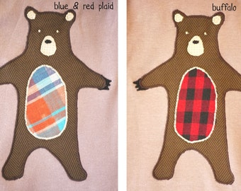 SALE: Lumberjack plaid bear kids T-Shirt - organic cotton biege/grey made with upcycled fabric applique, embroidered