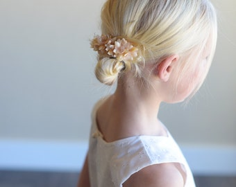 The Wood Anemone: Flower Girl Hair Clip in Peach