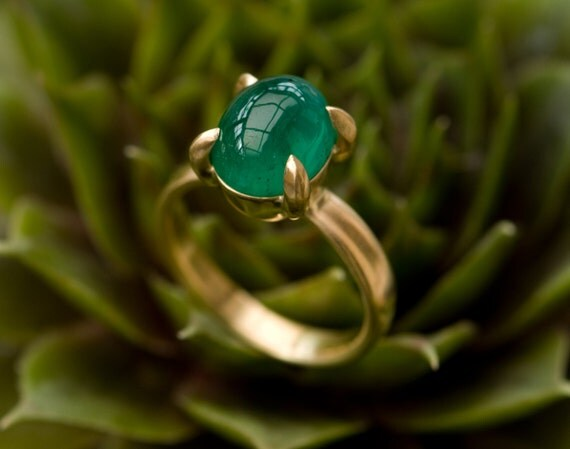 Emerald Gold Ring Oval Emerald Ring in 18K Gold