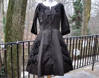 New Look Full Skirt Dress/Vintage 1950s/Blackish Rockabilly Party Dress/Soutache Trim With Tassel Fringe/Size M