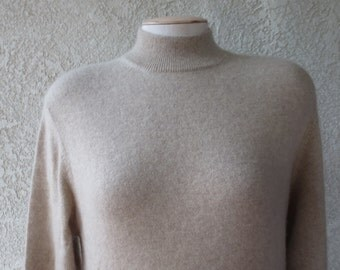 vintage 100%cashmere sweater turtleneck made by Deane & white size XL color beige