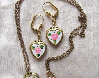 Heart Locket Set, Small Rose Heart, Rose Heart Set, Violet Rose Locket, Pink Rose Hearts, Rose Heart Locket, Vintage Heart Locket, Heart Set