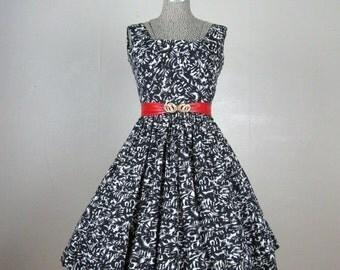 25% Off Summer Sale.... Vintage 1950s Cotton Dress 50s Hawaiian Dress Black & White Dress Size 6M