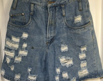 80s high waisted distressed shorts