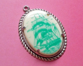 1 x Vintage rare mint green ship cameo silver plated pendant