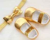 GOLD baby shoes, gold glitter baby girl shoes and headband, gold pageant shoes, gold slippers, gold fancy shoes, gold flower girl shoes