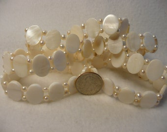 DESTASH Oval Shell and Fresh Water Pearl Stretchy Bracelets  7pc. Lot