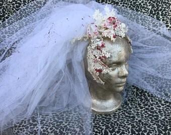Vintage Upcycled Blood Splattered White Wedding Veil. Zombie Bride, Dead Bride, Corpse Bride, Psycho, Vampire Halloween Costume