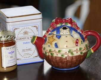 Sakura China Debbie Mumm snowman teapot
