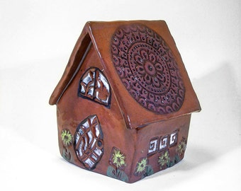 Terra Cotta Fairy House with Scolloped Roof