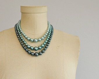 Vintage 50s Graduated Pearl Necklace / 1950s Jade Green Teal Pearl 3 Strand Choker Jewelry