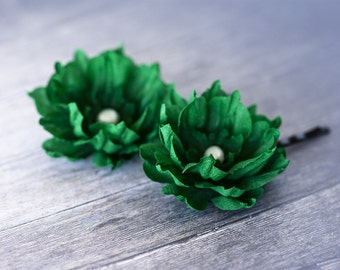 714_Green floral hair pins, Emerald green flowers, Floral hair accessories, Bright green flowers, Flower in hair, Handmade flowers Hair pins