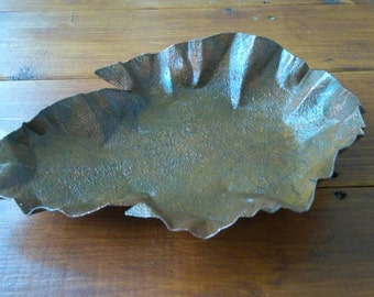Rusty effect hand painted leaf dishes. Can be used for your trinkets