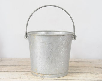 Zinc Bucket LAWCO Heavy  Galvanized Bucket Galvanized Metal Dairy Work Bucket Galvanized Pail
