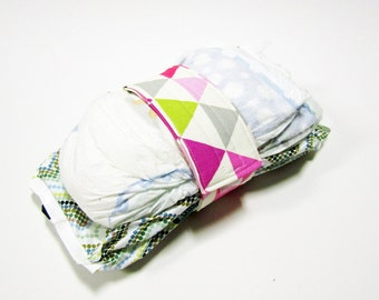 Triangle Diaper Strap - Orchid Geometric Triangels