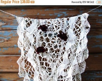 ON SALE Vintage White Handmade Tablecloth Lace