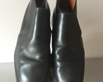 Vintage 1960's Men's Black Leather Ankle Boots / Mod Leather Boots / Mod Unisex Ankle Boots