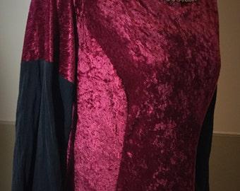 Red Velvet Guinevere Gown, Sz. 18-20 Girls