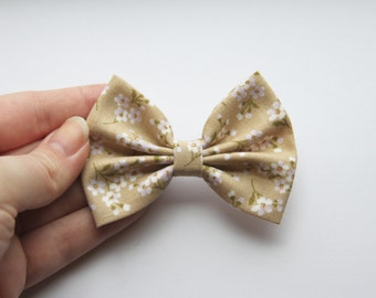 SALE - SMALL Ashley Hair Bow -Tan Floral Pattern Hair Bow and Clip