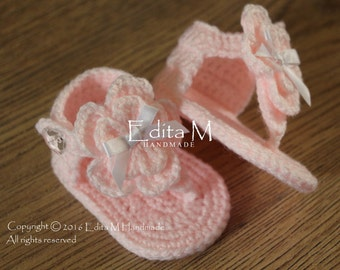 Crochet baby sandals, baby gladiator sandals, baby booties, baby shoes, pink, white, READY TO SHIP,0-3 months, baby shower gift, photo prop