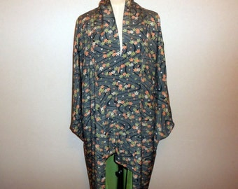 SALE 30%off!! - Vintage kimono - Maple leafs and water flow, Dark green
