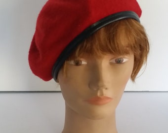 Vintage Red Wool Beret, Leather or Vinyl Trim Trim -- Bancroft Cap Company, Size 7 1/4