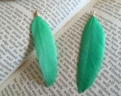 6pcs green   feather pendant