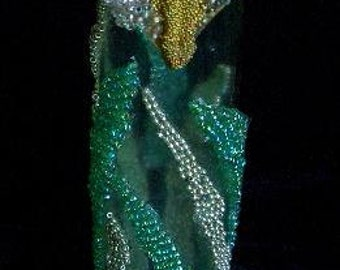 A Bit of Beads Lily Vase
