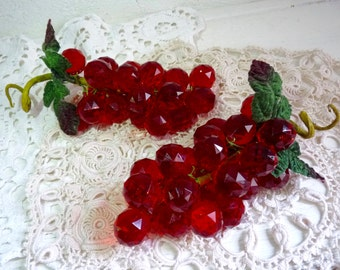 Pair of RED TABLE GRAPES, Light Catching Table Decoration. Lucite Red Grapes Made of Hard Plastic, Faceted Beads. Plastic Raisins.