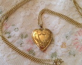 Vintage Gold Locket Heart Shaped HAYWARD 1/20 12k GF Two Pictures Chain Necklace Antique Jewelry Romantic Gift Engraved