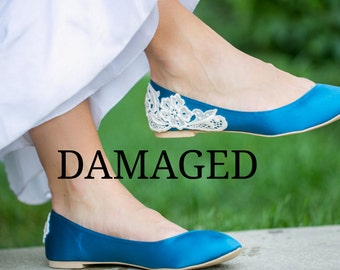 Slightly Damaged Flat - SALE - Teal Blue Bridal Flats/ Teal Wedding Shoes, Teal Flats, Satin Flats with Ivory Lace. US Size 7