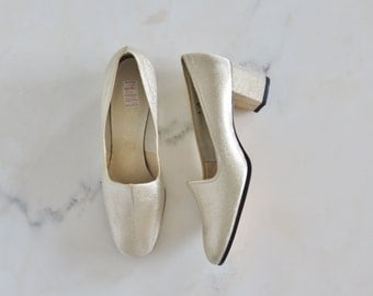 SALE was 36.00 / 70s NOS gold lurex Connie shoes size 8M / new old stock shoes