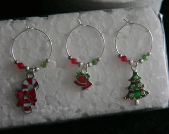 Set of 6 Christmas Coloured Enamel Wine Glass Charms with Green, Red and Silver adjoining beads