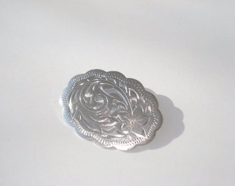 Vintage Sterling Silver Oval Brooch - Engraved Pattern Pin - 925