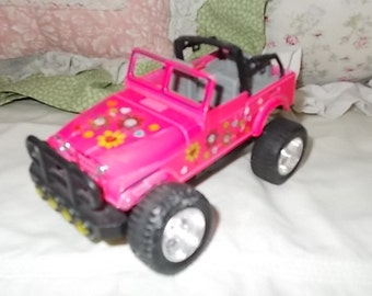 Pink Flowered Jeep, Lift up Hood Jeep, Small Metal Jeep, Vintage Toy Jeep, Toy Jeep, Vintage Toy Cars, Cars, Vintage Toys, Toys,  :)s