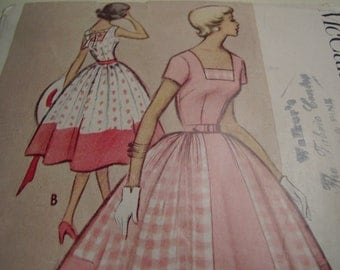 Vintage 1950's McCall's 8789 Dress Sewing Pattern, Size 16, Bust 34
