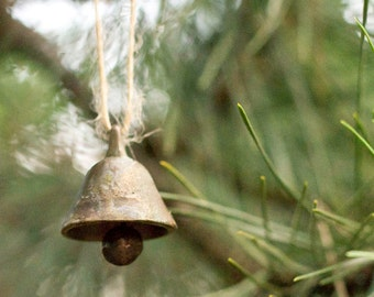 Vintage Brass Bell, Farmhouse, Rustic Decor, Cottage Chic Christmas Bell, Countryside